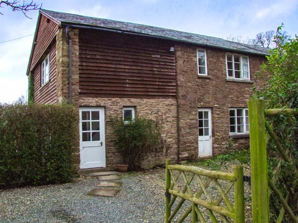 WHEELBARROW COTTAGE, semi-detached, pet-friendly, enclosed patio, WiFi, Leominster, Ref 904154 - Image 1 - Leominster - rentals