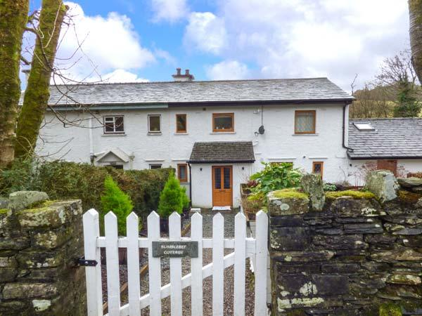 BUMBLEBEE COTTAGE, end-terrace riverside cottage, woodburner, parking, gardens, in Crosthwaite, Ref 924558 - Image 1 - Crosthwaite - rentals