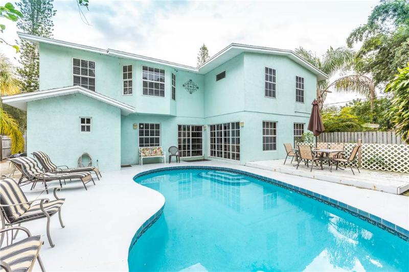 Rialto Mansion, 6 Bedrooms, Private Heated Pool, Pet Friendly, Sleeps 14 - Image 1 - Venice - rentals
