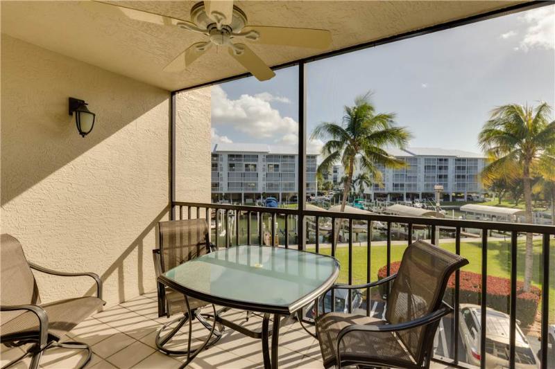 Santa Maria 205, 2 Bedrooms, Heated Pool, Hot Tub, Sleeps 6 - Image 1 - Fort Myers Beach - rentals