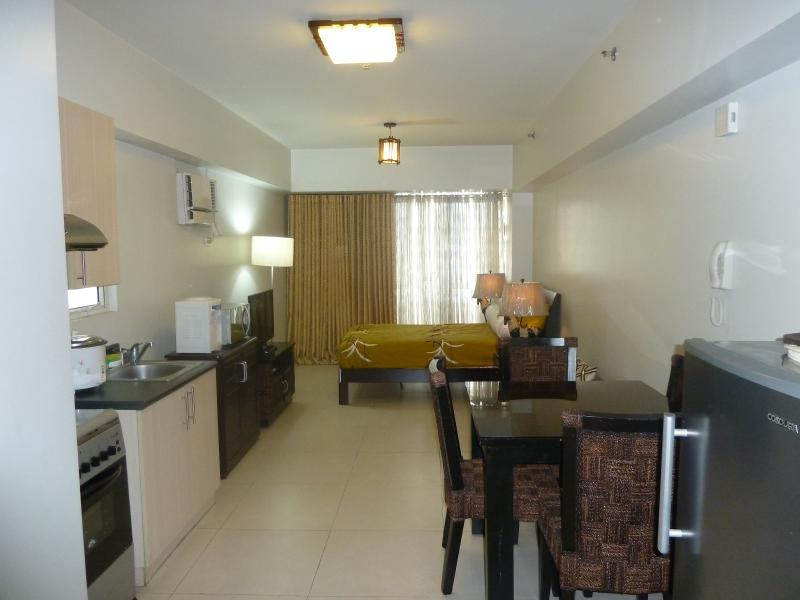 The Columns Legazpi Village - Makati City - Condo  For Rent in Makati, Phils. near Greenbelt - Makati - rentals