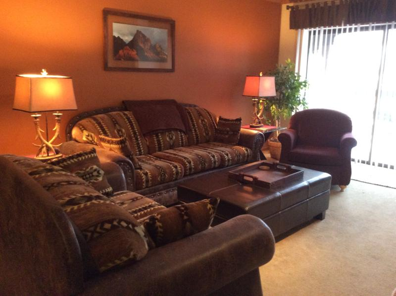 Newly remodeled Living room with queen sleep sofa - Park Station One Bedroom One Bath Top floor unit - Park City - rentals