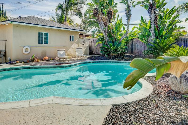 A mere half-mile from Disneyland! Private pool & hot tub! - Image 1 - Anaheim - rentals