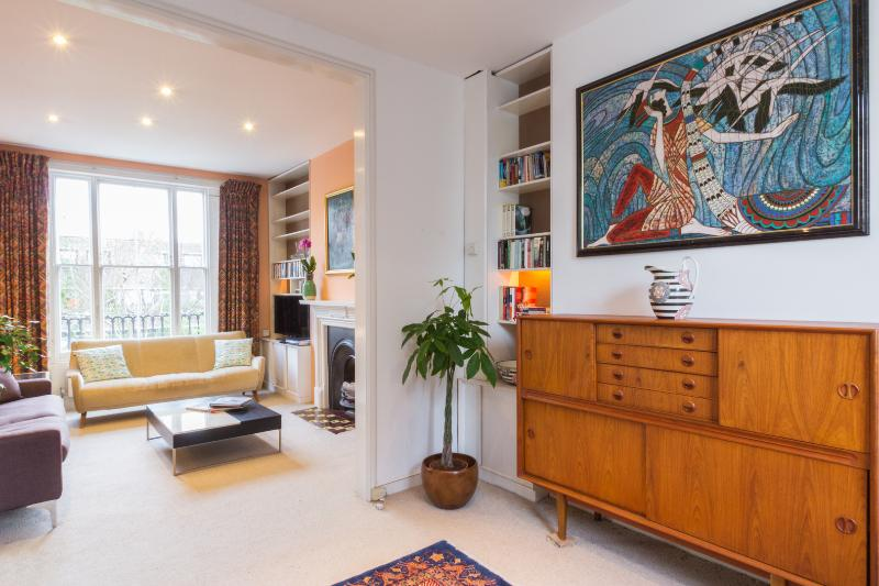 A fantastic three-bedroom family home in Belsize Park. - Image 1 - London - rentals