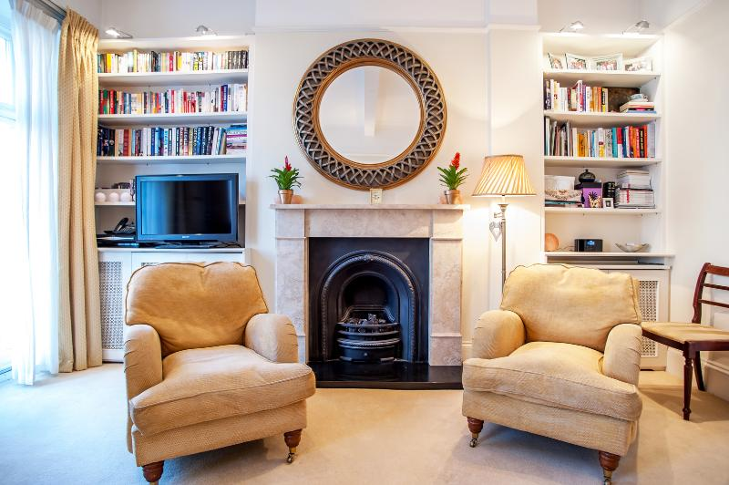 A sweet one-bedroom apartment in Pimlico. - Image 1 - London - rentals