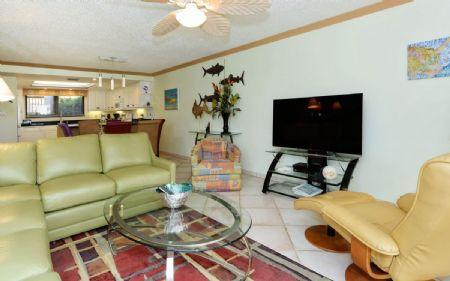 Living Area - Chinaberry 416 - Siesta Key - rentals