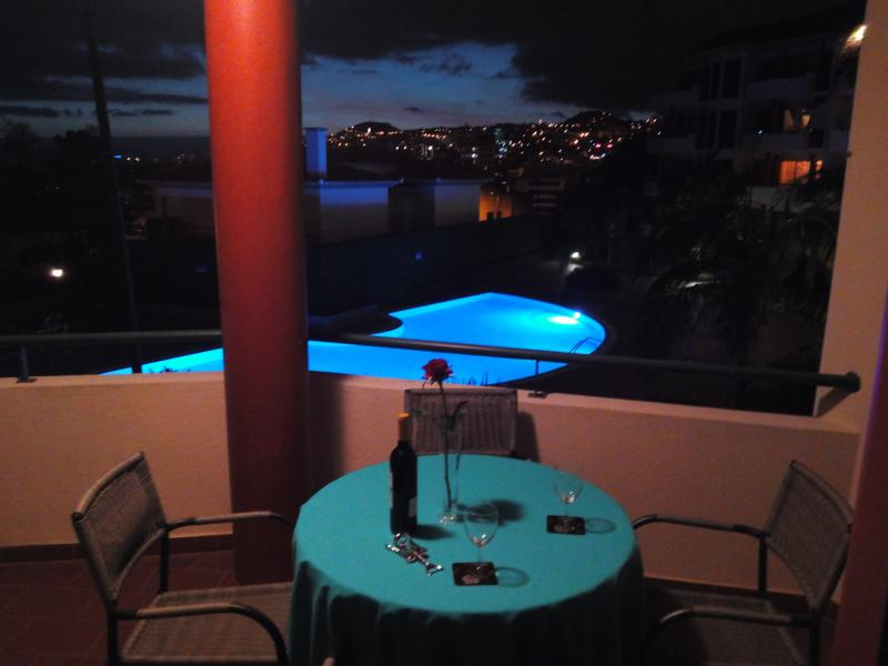 One of 3 eating areas large balcony with pool ocean city cruise ship views| - POOL City Centre Large 3 bedrms! Sleeps 6 Parking - Funchal - rentals