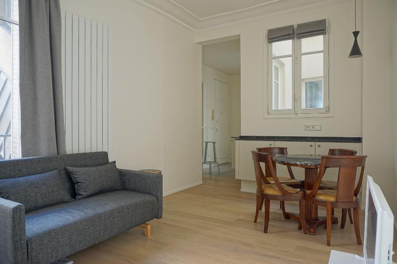 108041 - rue Chateaubriand - PARIS 8 - Image 1 - 7th Arrondissement Palais-Bourbon - rentals