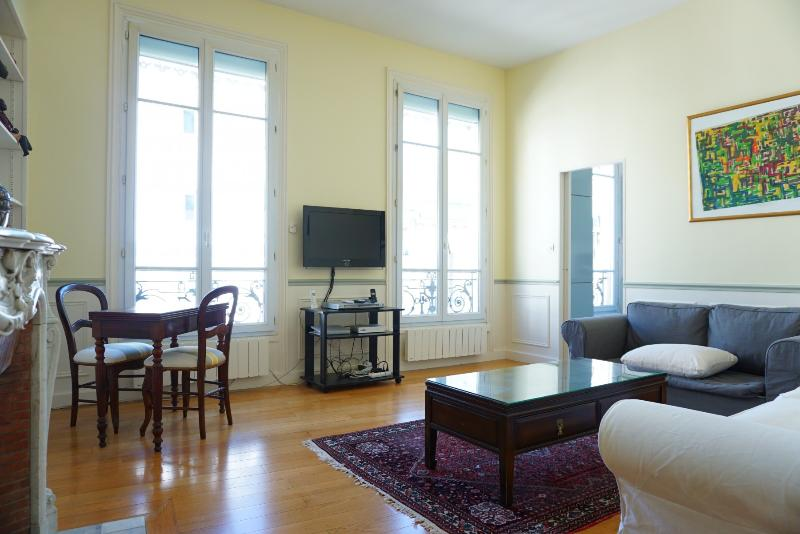 216047 - rue de Passy - PARIS 16 - Image 1 - Paris - rentals