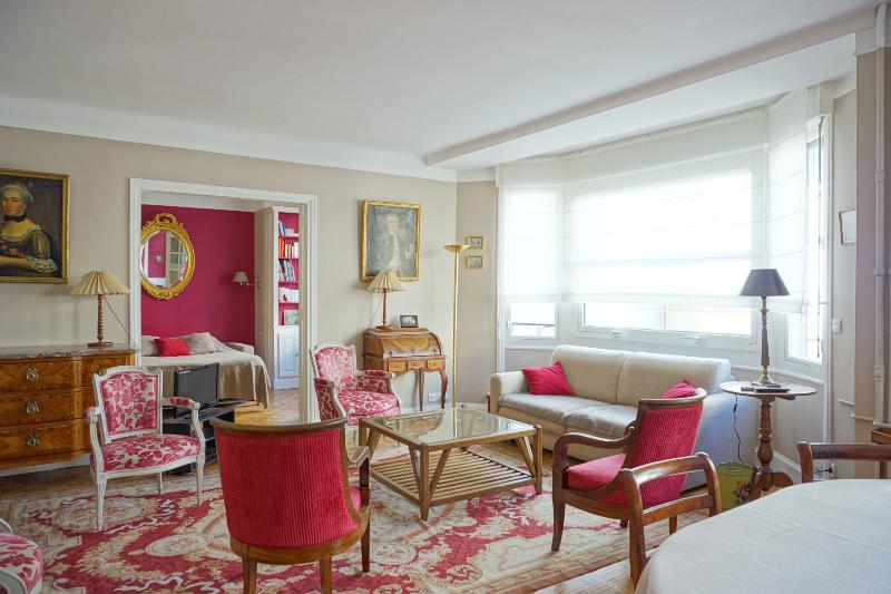 216068 - rue Copernic - PARIS 16 - Image 1 - Paris - rentals