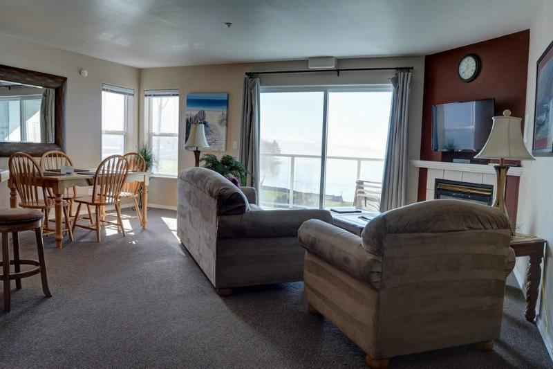Waters Edge 301 ~ RA5895 - Image 1 - Lincoln City - rentals