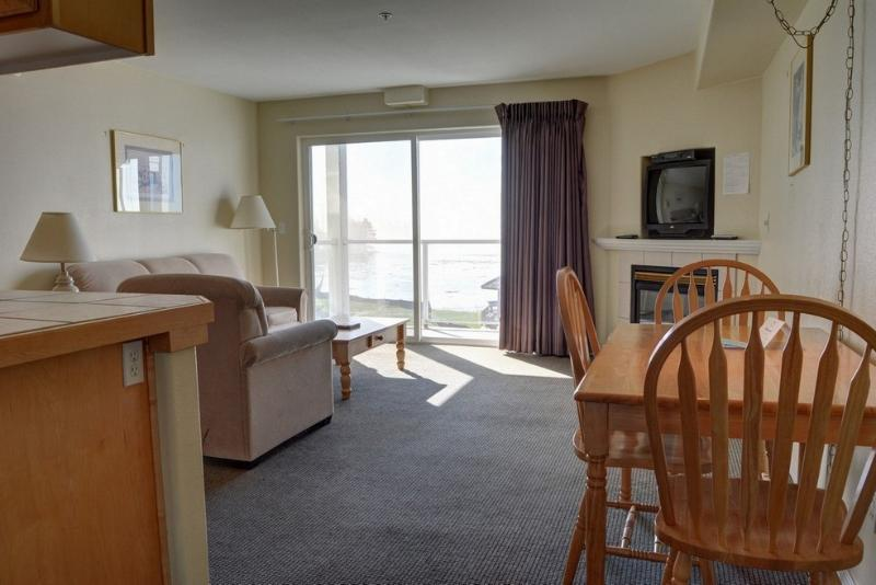 Waters Edge 302 ~ RA5896 - Image 1 - Lincoln City - rentals