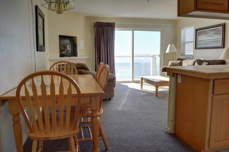 Waters Edge 407 ~ RA5904 - Image 1 - Lincoln City - rentals