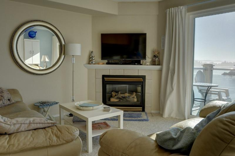 Waters Edge 409 ~ RA5905 - Image 1 - Lincoln City - rentals