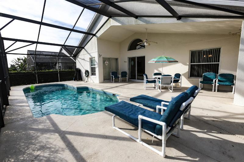 The Pool - Beautiful Disney Home with Private Pool and Wifi - Davenport - rentals