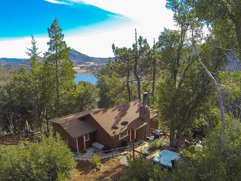 Romantic and luxurious Tree-Cottage with soaring panoramic mountain & lake views - Luxurious TREE HOUSE Overlooking Lake   SPA - Julian - rentals