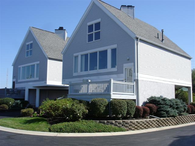 Front of house - Vacation Home near Cedar Point & Lake Erie Islands - Port Clinton - rentals