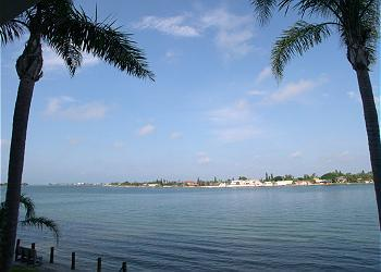 Beautiful Boca Ciega Bay - Everything is Better on Isla~Sun, Sand & Salt Air! - Saint Petersburg - rentals