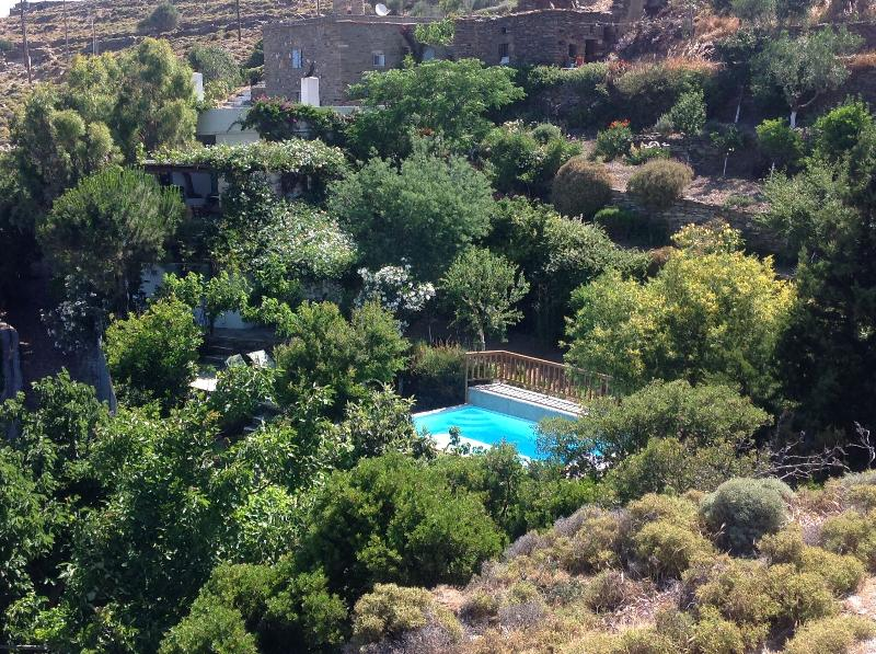 A lovely old farmhouse with spectacular sea views - Image 1 - Gavrion - rentals
