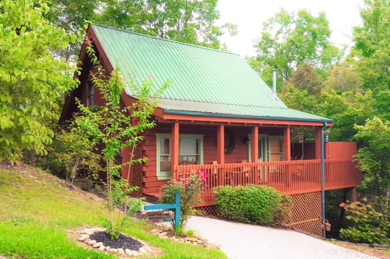 Good Time Getaway - Good Time Getaway - Great Gatlinburg Location! Lovely Cabin with Smoky Mountain Nat'l Park Views! - Gatlinburg - rentals