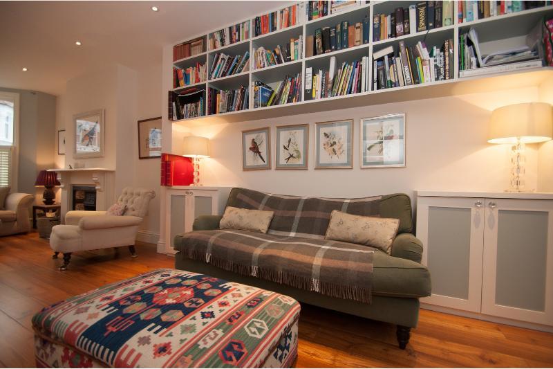 Spacious 5 bedroom 3 bathroom family home, Kensal Green - Image 1 - London - rentals