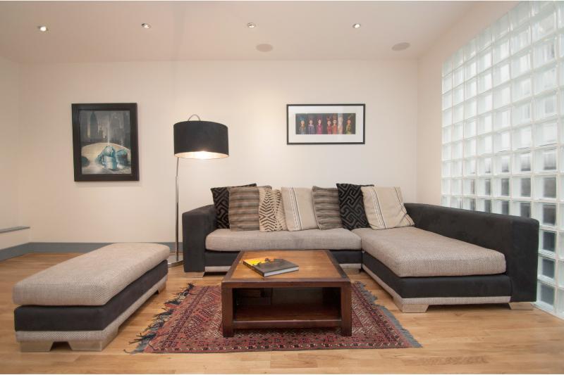 Trendy & modern 3 bed Camden Mews house - Image 1 - London - rentals