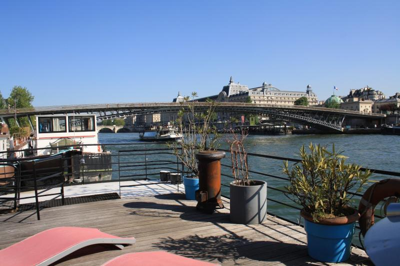 River view with Orsay Museum - parisbeapartofit - Houseboat Champs Elysees (1384) - Paris - rentals