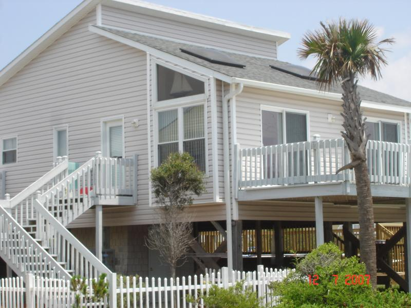 Modern Beach Cottage Steps From The Beach - Modern beach cottage steps from ocean w/pool & spa - North Topsail Beach - rentals