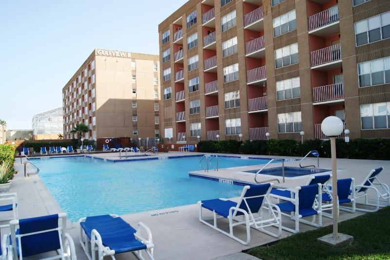 Pool - Gulfview - Luxurious condo next to Schlitterbahn - South Padre Island - rentals