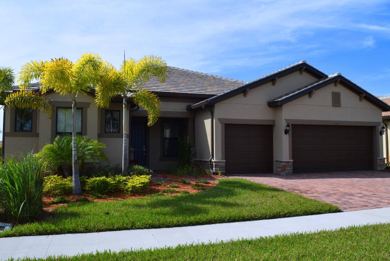 Your Vacation Home with 3 Car Garage - Fabulous Almost New Home in the Gated Sandhill Pre - Sarasota - rentals