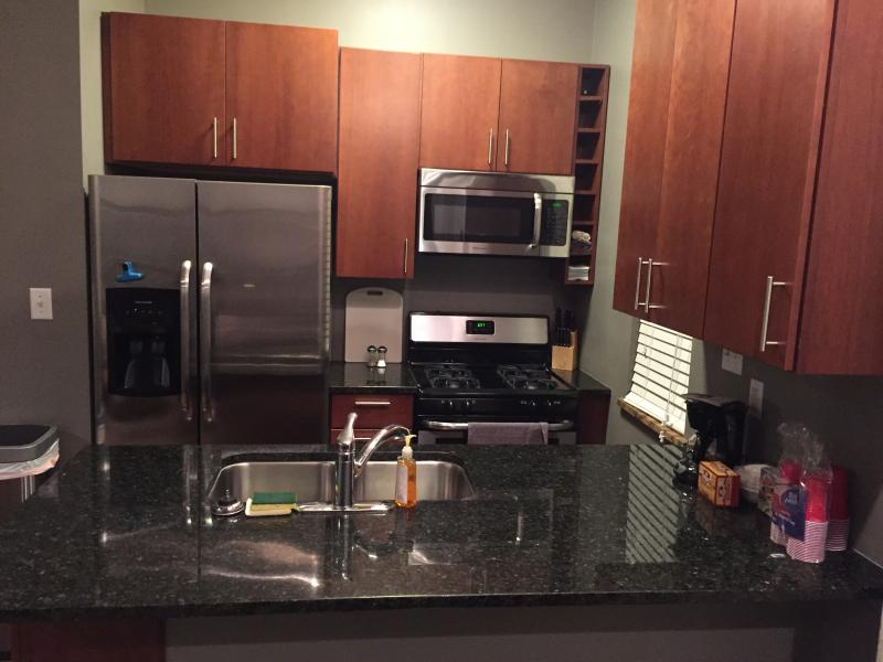 Cooking is a breeze in the newly renovated fully stocked kitchen! - Great Location, Newly Renovated, Close to Uptown!! - Charlotte - rentals