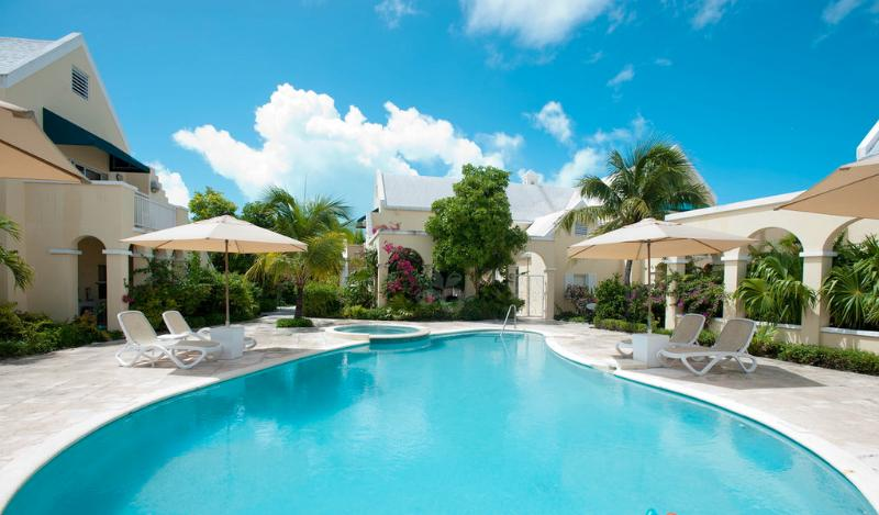 Spacious 3bdr200yards GraceBaybeach25%OFFSummer,16 - Image 1 - Providenciales - rentals