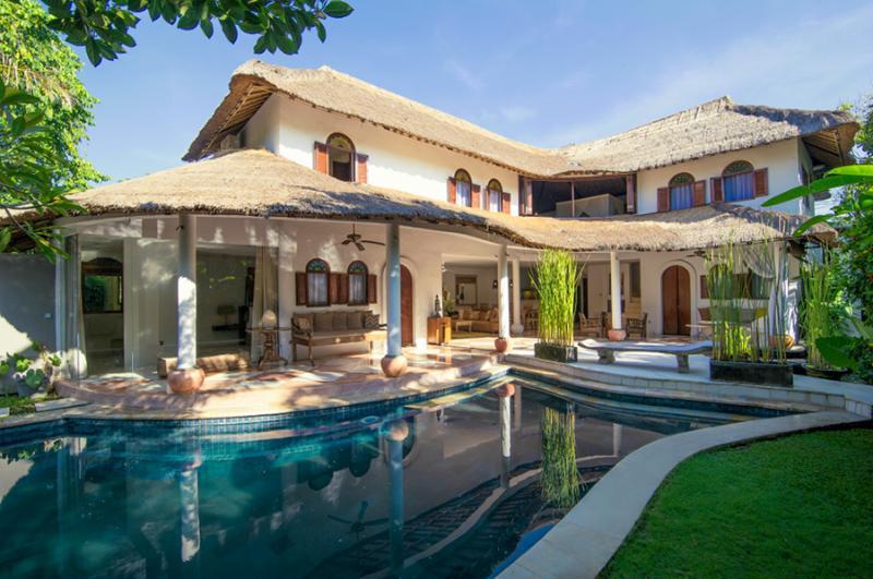 Esha Umalas (Villa I) By Bali Villas Rus - Modern Villa Close to Seminyak - Image 1 - Seminyak - rentals