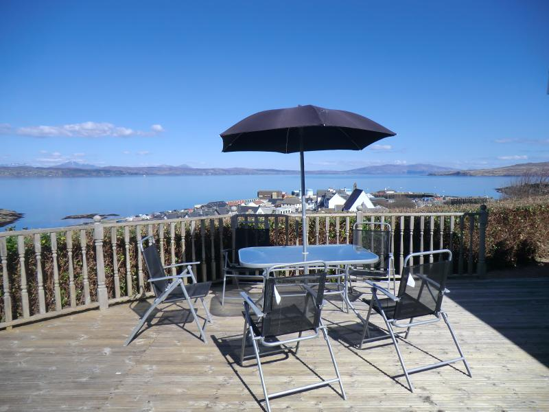 View from the decking area - Davaar - Self Catering Holiday Home - Mallaig - rentals