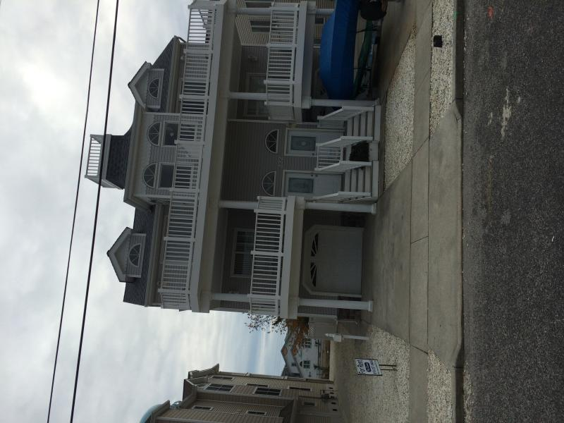 Front of house - Sea Isle City, NJ Townhouse for rent on 79th St - Sea Isle City - rentals