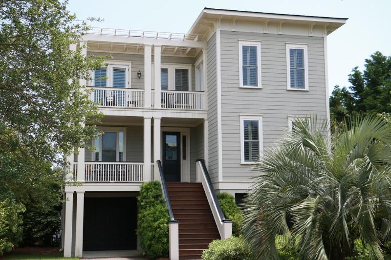 Front Exterior - Fall Disc for stays Now thru 10/14/16~410 Carolina - Isle of Palms - rentals