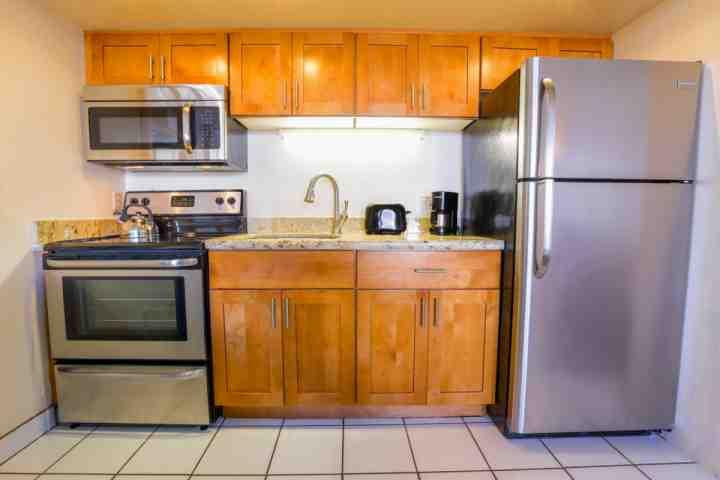 Upgraded kitchen with new full sized stainless appliances. - Royal Kahana Resort 1003 - Kahana - rentals