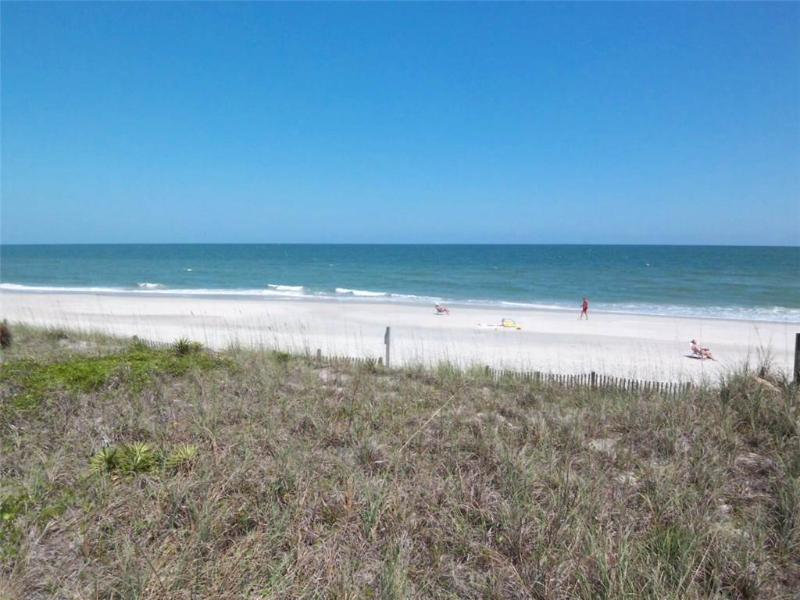 Inlet Point 13C - Oceanfront - Image 1 - Pawleys Island - rentals