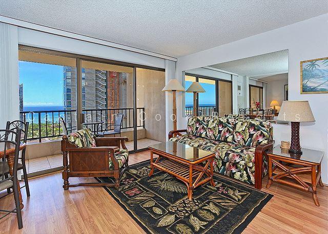 TOP FLOOR!  Ocean view!  1-bedroom with washer/dryer, WiFi, parking! - Image 1 - Waikiki - rentals