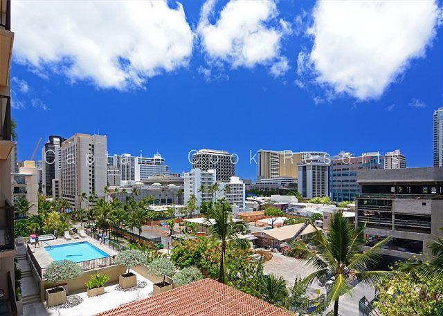 Four Paddle 1 Bedroom with AC, W/D, FREE parking, WiFi, walk to beach! - Image 1 - Waikiki - rentals