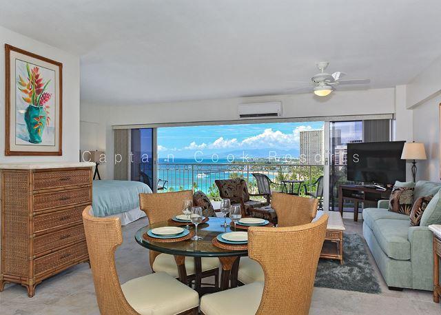Sweeping Ocean Views, remodeled, steps to beach, washlet, parking!  Sleeps 4. - Image 1 - Waikiki - rentals
