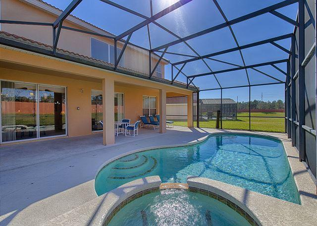 SYMPHONY VILLA: 6 Bedroom Home in Gated Resort Community with 3 Master Suites - Image 1 - Davenport - rentals