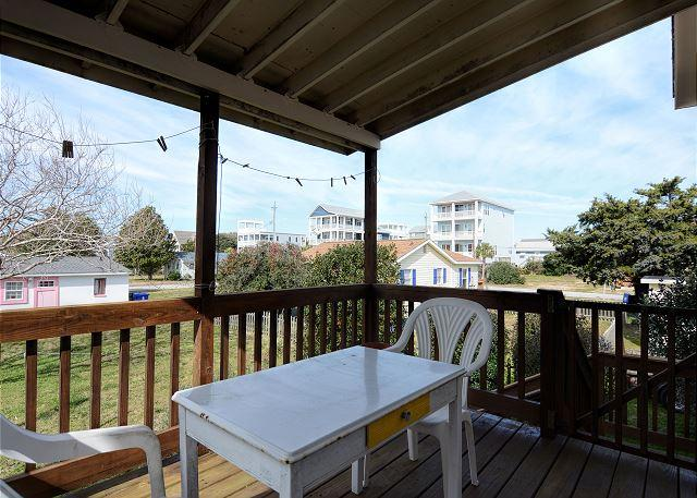 Doug's Den -  Take in gorgeous sunrises from decks of this ocean beach home - Image 1 - Carolina Beach - rentals