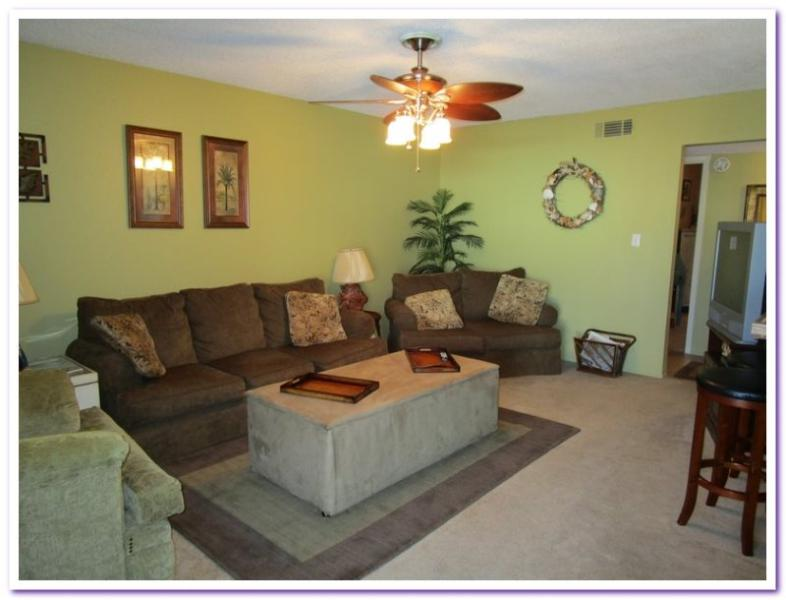 Poolside - Cozy and Affordable! - Image 1 - Pensacola Beach - rentals