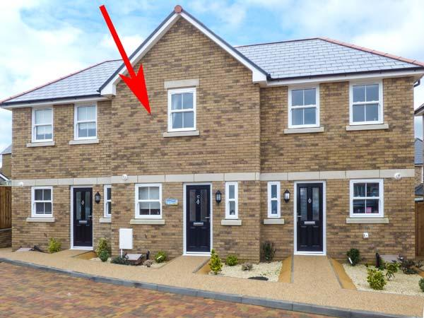DRIFTWOOD, superb townhouse, short walk to beach, WiFi, patio with furniture, in Shanklin, Ref 926220 - Image 1 - Shanklin - rentals