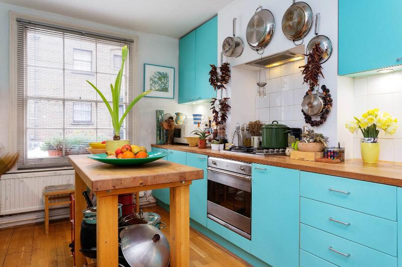 A fantastically historic three-bedroom home in Islington. - Image 1 - London - rentals