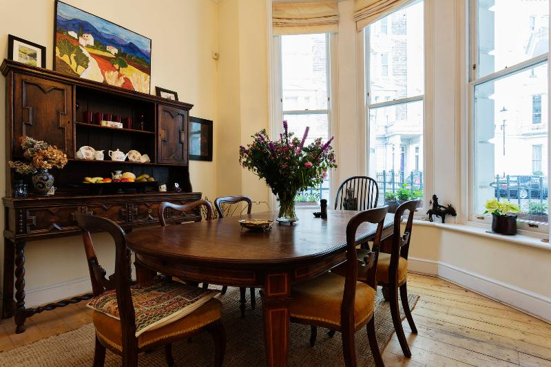 2 bed 2 bath Garden flat, Stanley Crescent, Notting Hill - Image 1 - London - rentals