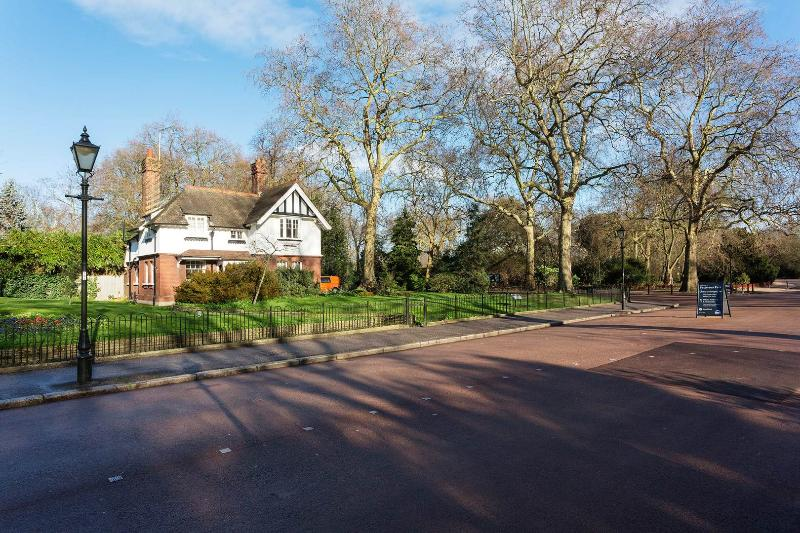 Veeve - Parkside Perk - Image 1 - London - rentals