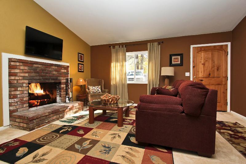 Foothill Lodge - Image 1 - Big Bear Lake - rentals