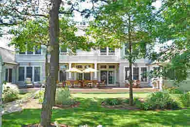 60 foot deck for family gatherings - HEARTS esCAPE. 3400SF luxurious New Seabury home - New Seabury - rentals